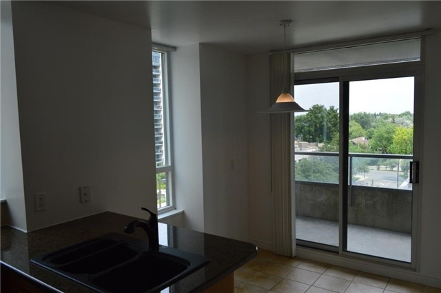 Condo Apartment at 23 Hollywood Ave, Unit 705, Toronto, Ontario. Image 16