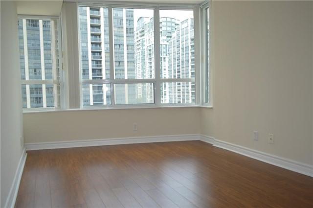 Condo Apartment at 23 Hollywood Ave, Unit 705, Toronto, Ontario. Image 3