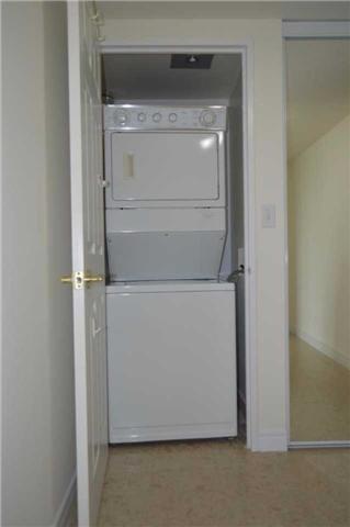 Condo Apartment at 23 Hollywood Ave, Unit 705, Toronto, Ontario. Image 6