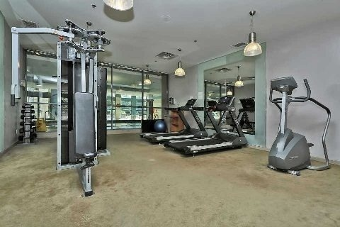 Condo Apartment at 23 Hollywood Ave, Unit 705, Toronto, Ontario. Image 11