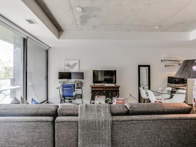 Condo Apartment at 629 King St W, Unit 410, Toronto, Ontario. Image 15