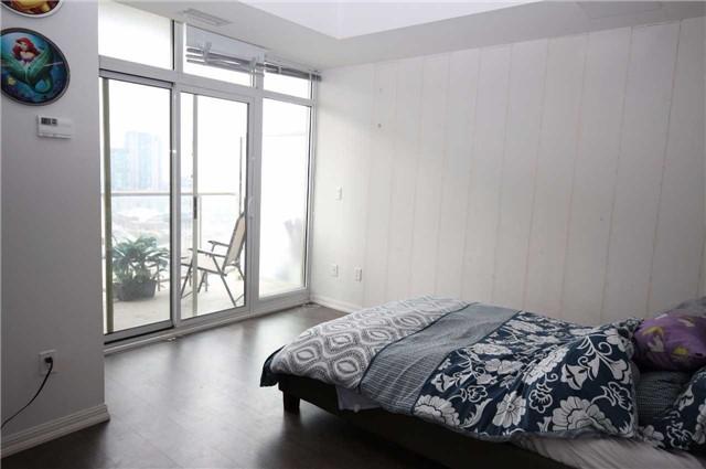 Condo Apartment at 75 East Liberty St, Unit 2202, Toronto, Ontario. Image 10