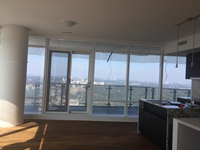 Condo Apartment at 1 Bloor St, Unit 6906, Toronto, Ontario. Image 7
