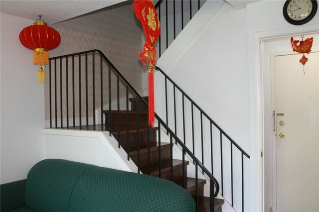Condo Townhouse at 165 Cherokee Blvd, Unit 145, Toronto, Ontario. Image 3