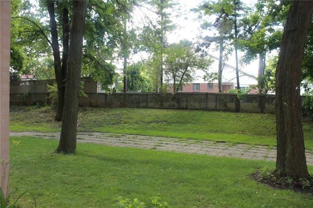 Condo Townhouse at 165 Cherokee Blvd, Unit 145, Toronto, Ontario. Image 7