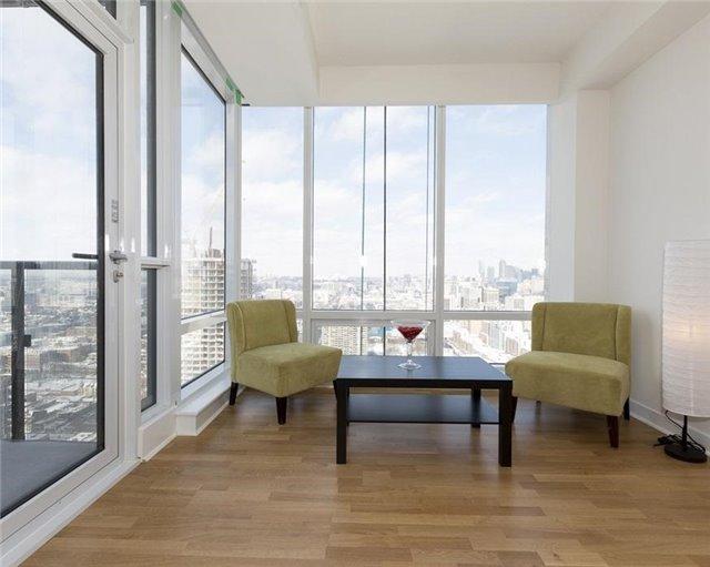 Condo Apartment at 295 Adelaide St W, Unit 4103, Toronto, Ontario. Image 12