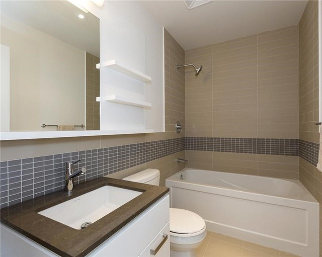 Condo Apartment at 295 Adelaide St W, Unit 4103, Toronto, Ontario. Image 17