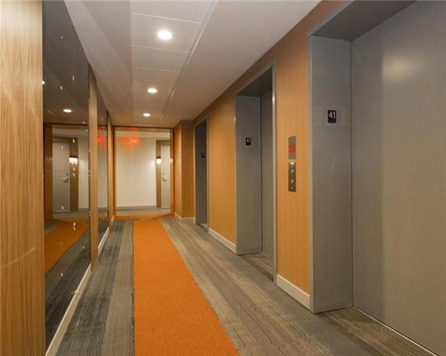 Condo Apartment at 295 Adelaide St W, Unit 4103, Toronto, Ontario. Image 4