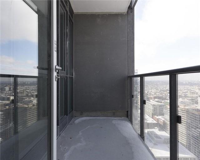 Condo Apartment at 295 Adelaide St W, Unit 4103, Toronto, Ontario. Image 5
