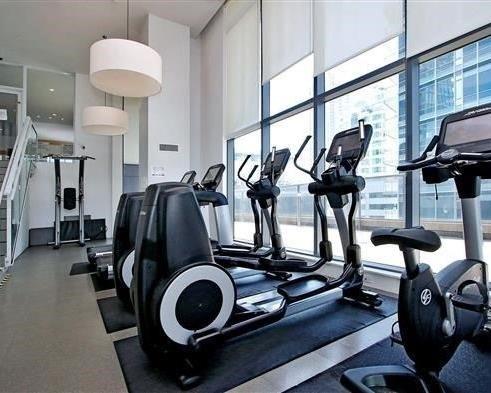 Condo Apartment at 295 Adelaide St W, Unit 4103, Toronto, Ontario. Image 6