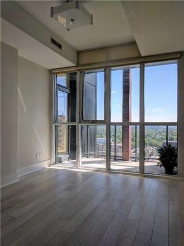 Condo Apartment at 32 Davenport Rd, Unit 1905, Toronto, Ontario. Image 12