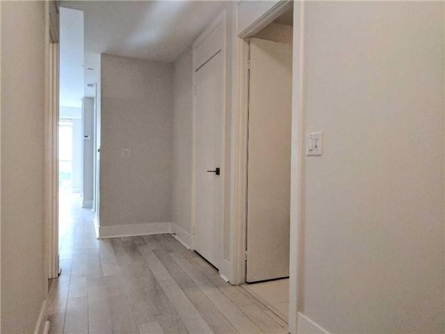 Condo Apartment at 32 Davenport Rd, Unit 1905, Toronto, Ontario. Image 2