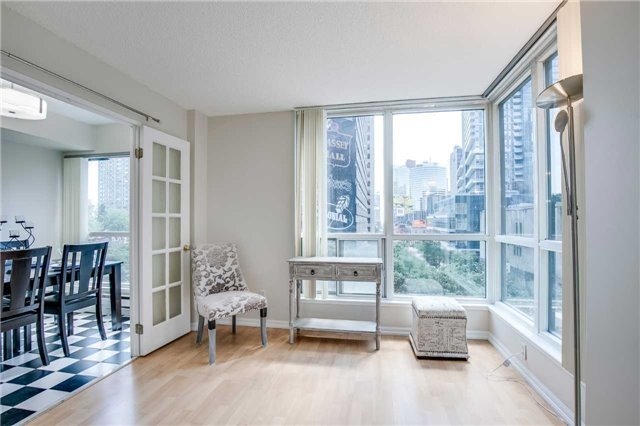 Condo Apartment at 7 Carlton St, Unit 406, Toronto, Ontario. Image 13