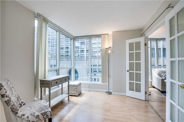 Condo Apartment at 7 Carlton St, Unit 406, Toronto, Ontario. Image 14