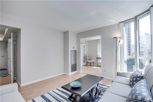 Condo Apartment at 7 Carlton St, Unit 406, Toronto, Ontario. Image 16