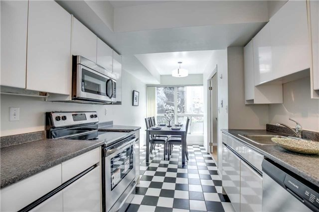 Condo Apartment at 7 Carlton St, Unit 406, Toronto, Ontario. Image 18