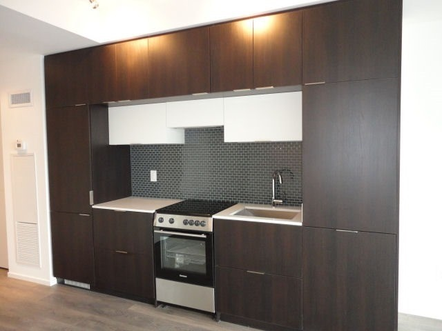 Condo Apartment at 159 Dundas St E, Unit 3104, Toronto, Ontario. Image 10