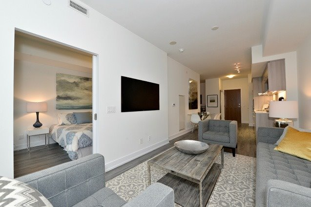 Condo Apartment at 170 Chiltern Hill Rd, Unit 410, Toronto, Ontario. Image 4