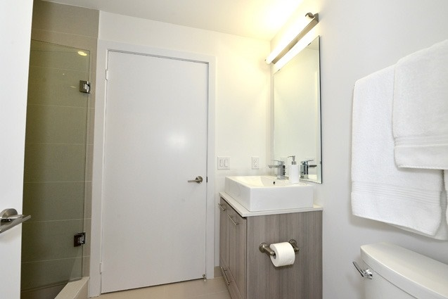 Condo Apartment at 170 Chiltern Hill Rd, Unit 410, Toronto, Ontario. Image 6
