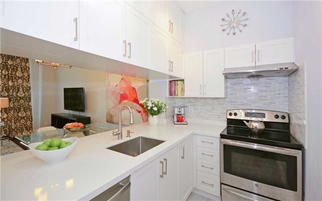Condo Apartment at 7 King St E, Unit 1806, Toronto, Ontario. Image 18