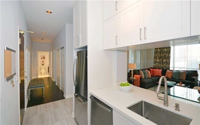 Condo Apartment at 7 King St E, Unit 1806, Toronto, Ontario. Image 19