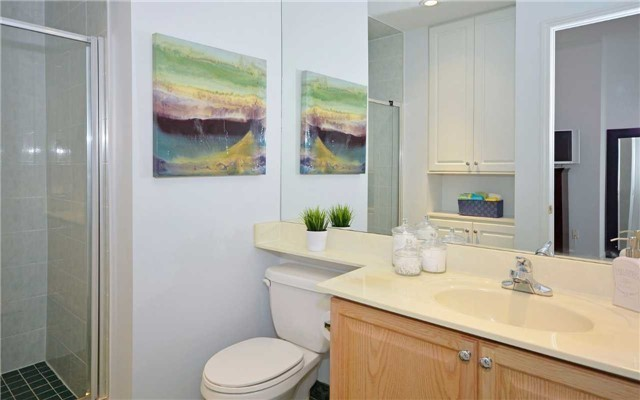 Condo Apartment at 7 King St E, Unit 1806, Toronto, Ontario. Image 3