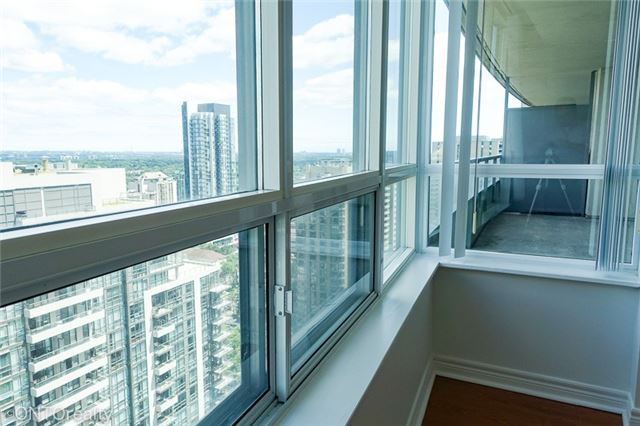 Condo Apartment at 23 Hollywood Ave, Unit 3106, Toronto, Ontario. Image 7