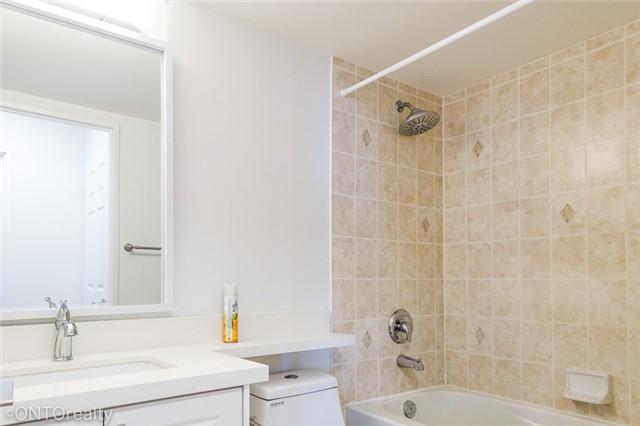 Condo Apartment at 23 Hollywood Ave, Unit 3106, Toronto, Ontario. Image 11