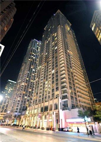 Condo Apartment at 763 Bay St, Unit 2714, Toronto, Ontario. Image 2