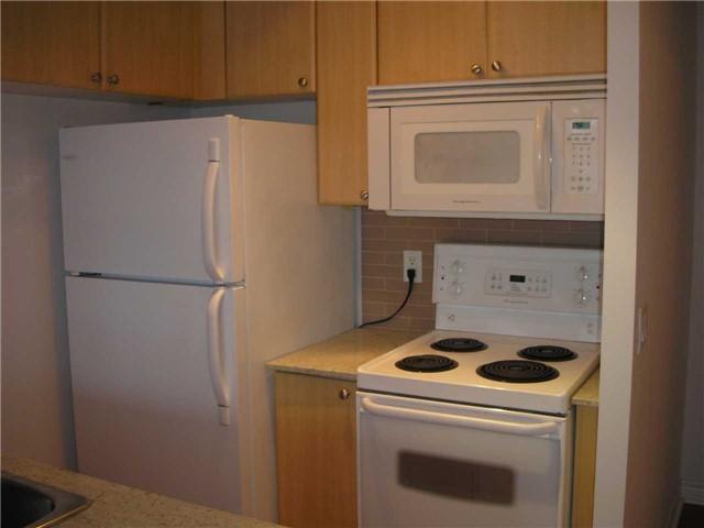 Condo Apartment at 763 Bay St, Unit 2714, Toronto, Ontario. Image 4