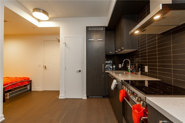 Condo Apartment at 455 Front St E, Unit S202, Toronto, Ontario. Image 3