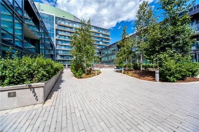 Condo Apartment at 455 Front St E, Unit S202, Toronto, Ontario. Image 10