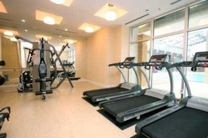 Condo Apartment at 38 Grenville St, Unit 905, Toronto, Ontario. Image 4