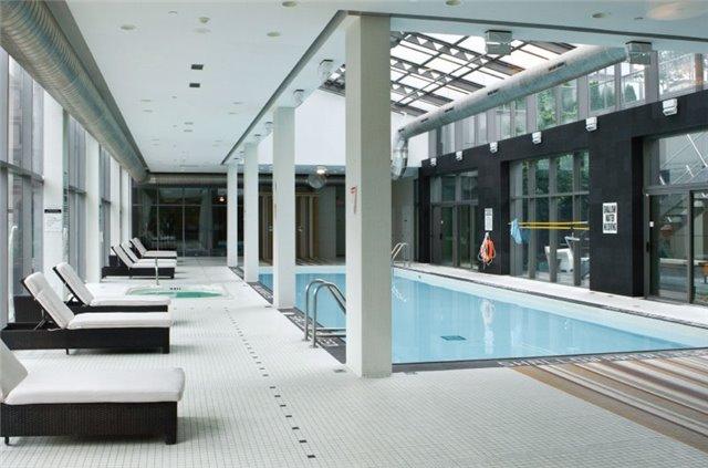 Condo Apartment at 38 Grenville St, Unit 905, Toronto, Ontario. Image 6