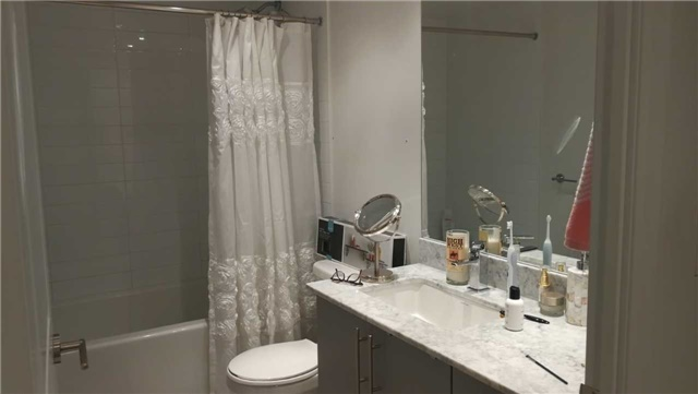 Condo Apartment at 35 Bastion St, Unit 819, Toronto, Ontario. Image 8
