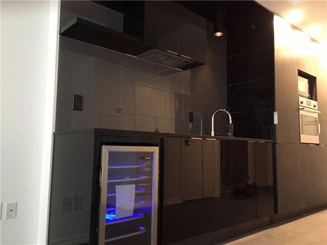 Condo Apartment at 70 Temperance St, Unit 1204, Toronto, Ontario. Image 3