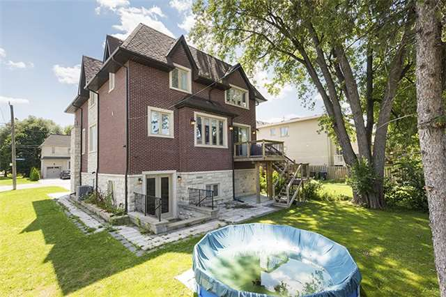 Detached at 504 Glengarry Ave, Toronto, Ontario. Image 11