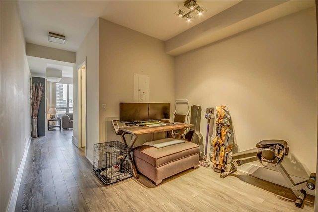 Condo Apartment at 300 Front St, Unit 2208, Toronto, Ontario. Image 8