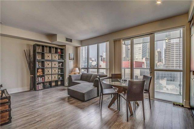 Condo Apartment at 300 Front St, Unit 2208, Toronto, Ontario. Image 10
