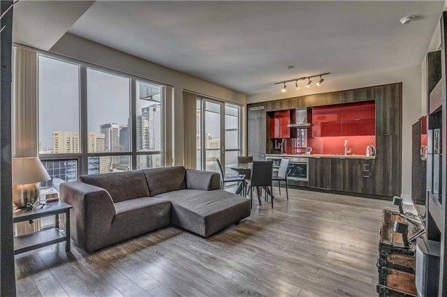 Condo Apartment at 300 Front St, Unit 2208, Toronto, Ontario. Image 13