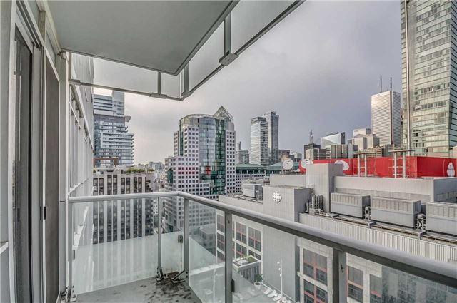 Condo Apartment at 300 Front St, Unit 2208, Toronto, Ontario. Image 4