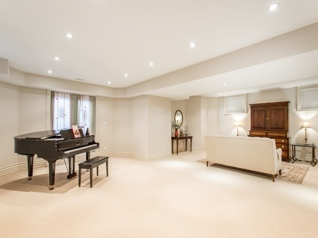 Detached at 120 Parkview Ave, Toronto, Ontario. Image 10
