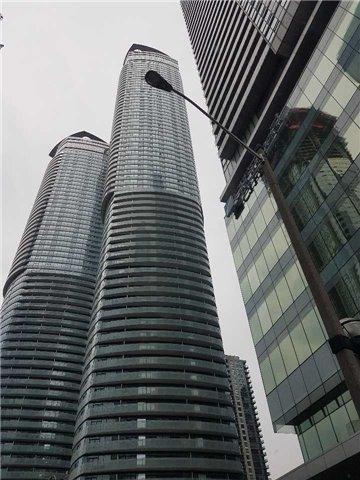 Condo Apartment at 14 York St, Unit 3711, Toronto, Ontario. Image 12