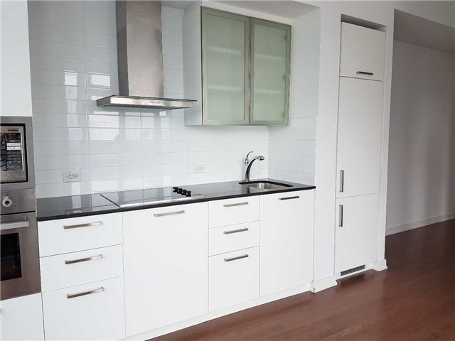Condo Apartment at 14 York St, Unit 3711, Toronto, Ontario. Image 18