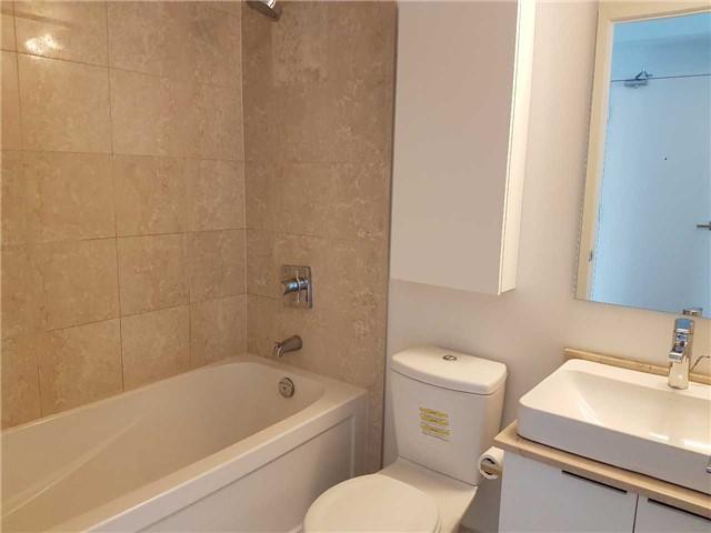 Condo Apartment at 14 York St, Unit 3711, Toronto, Ontario. Image 3