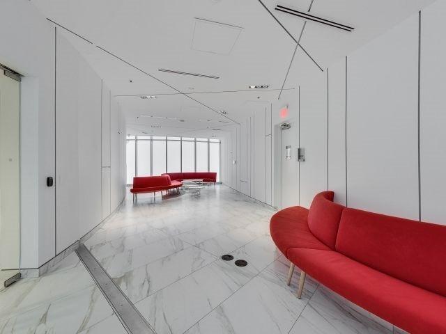 Condo Apartment at 14 York St, Unit 3711, Toronto, Ontario. Image 9