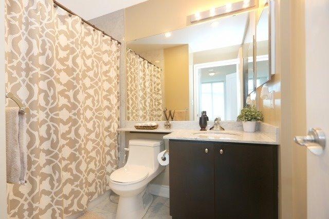 Condo Apartment at 10 Bloorview Pl, Unit 1014, Toronto, Ontario. Image 3