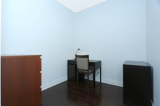 Condo Apartment at 10 Bloorview Pl, Unit 1014, Toronto, Ontario. Image 6