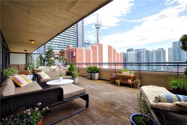 Condo Apartment at 438 King St W, Unit 1312, Toronto, Ontario. Image 1