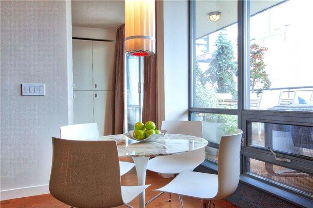 Condo Apartment at 438 King St W, Unit 1312, Toronto, Ontario. Image 15